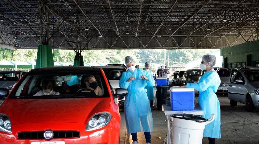 Moradores de Volta Redonda com 38 e 37 anos serão imunizados nesta sexta em drive-thru